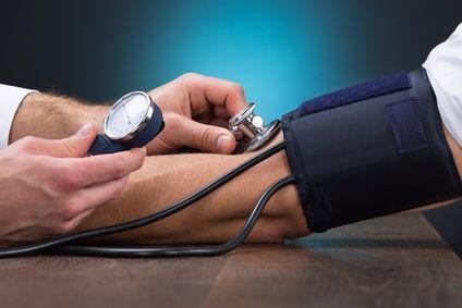 Warum kann Übergewicht zu Bluthochdruck führen?